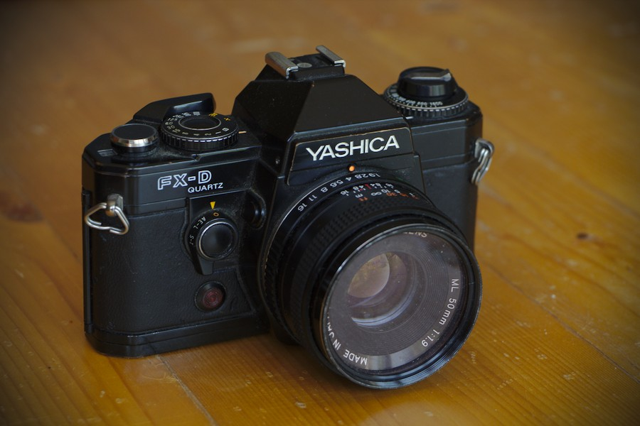 Yashica FX D